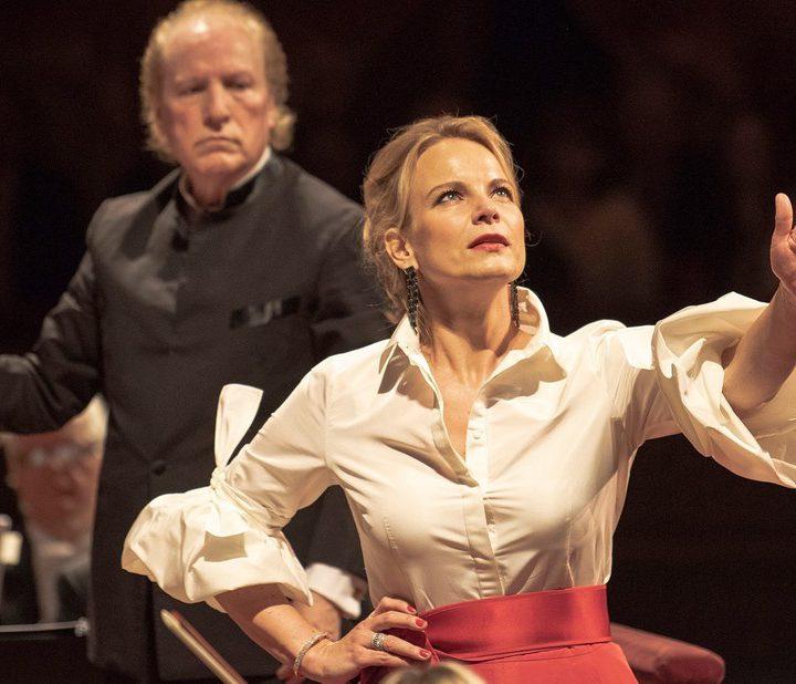 Elīna Garanča: «La música clásica pide su tiempo para llegar a un éxito»