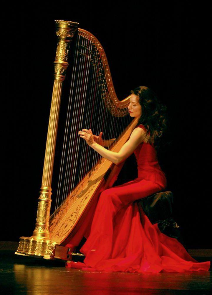 «Tango del Cielo»: el nuevo álbum de la arpista Anna Maria Mendieta