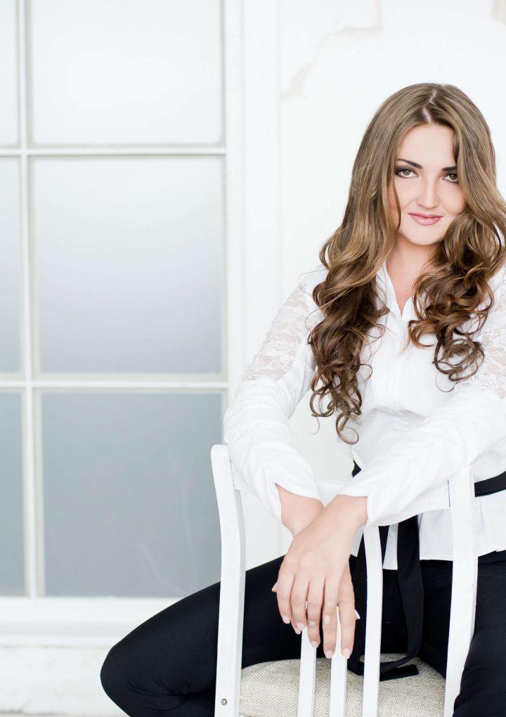 Oksana Volkova estrena un intrigante «Poison d'amour»