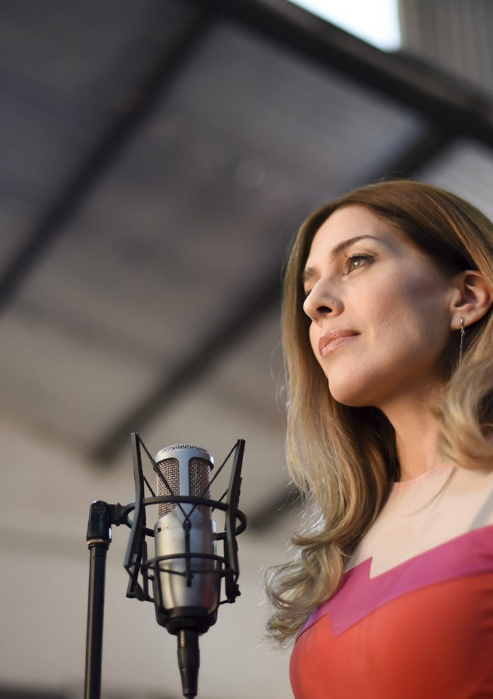 «Confundiéndonos», el nuevo single de Ana Magiar