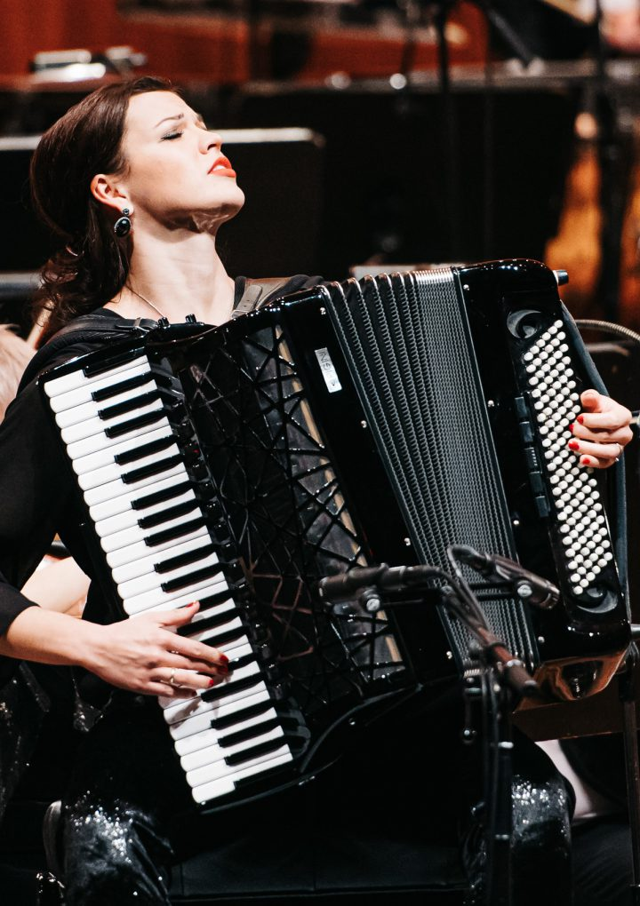 Ksenija Sidorova celebra a Piazzolla, en el Concierto de París
